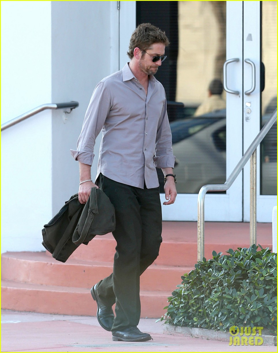gerard butler good morning miami 03