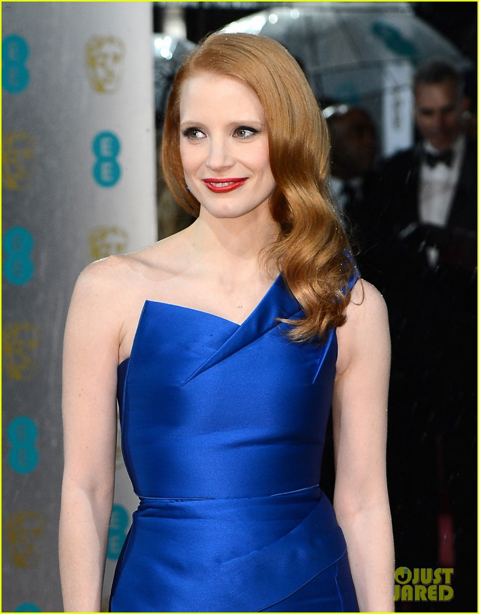 jessica chastain bafta red carpet 052808908