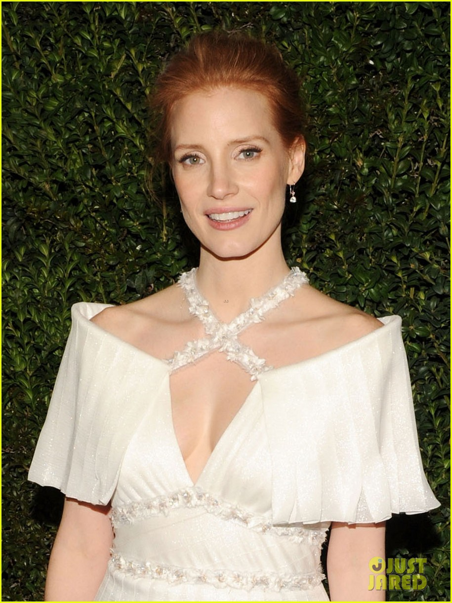 jessica chastain chanel pre oscars dinner 2013 02