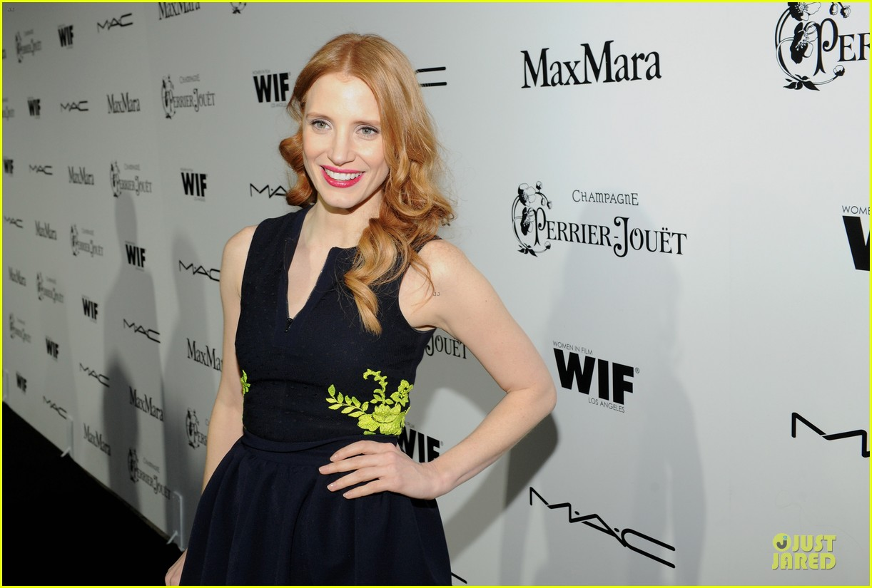 jessica chastain daniel radcliffe women in film pre oscar cocktail party 132817499