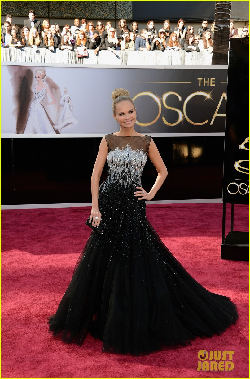 kristin chenoweth oscars 2013 red carpet 012818830