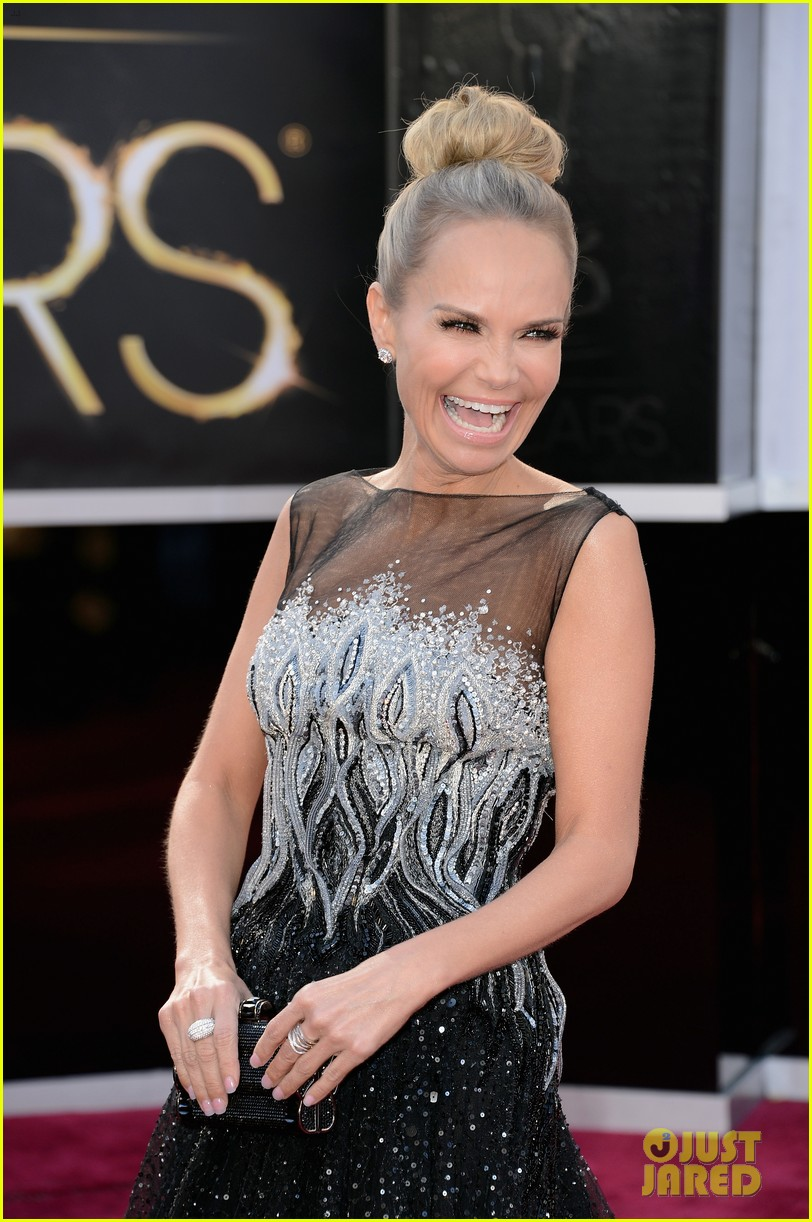 kristin chenoweth oscars 2013 red carpet 062818835