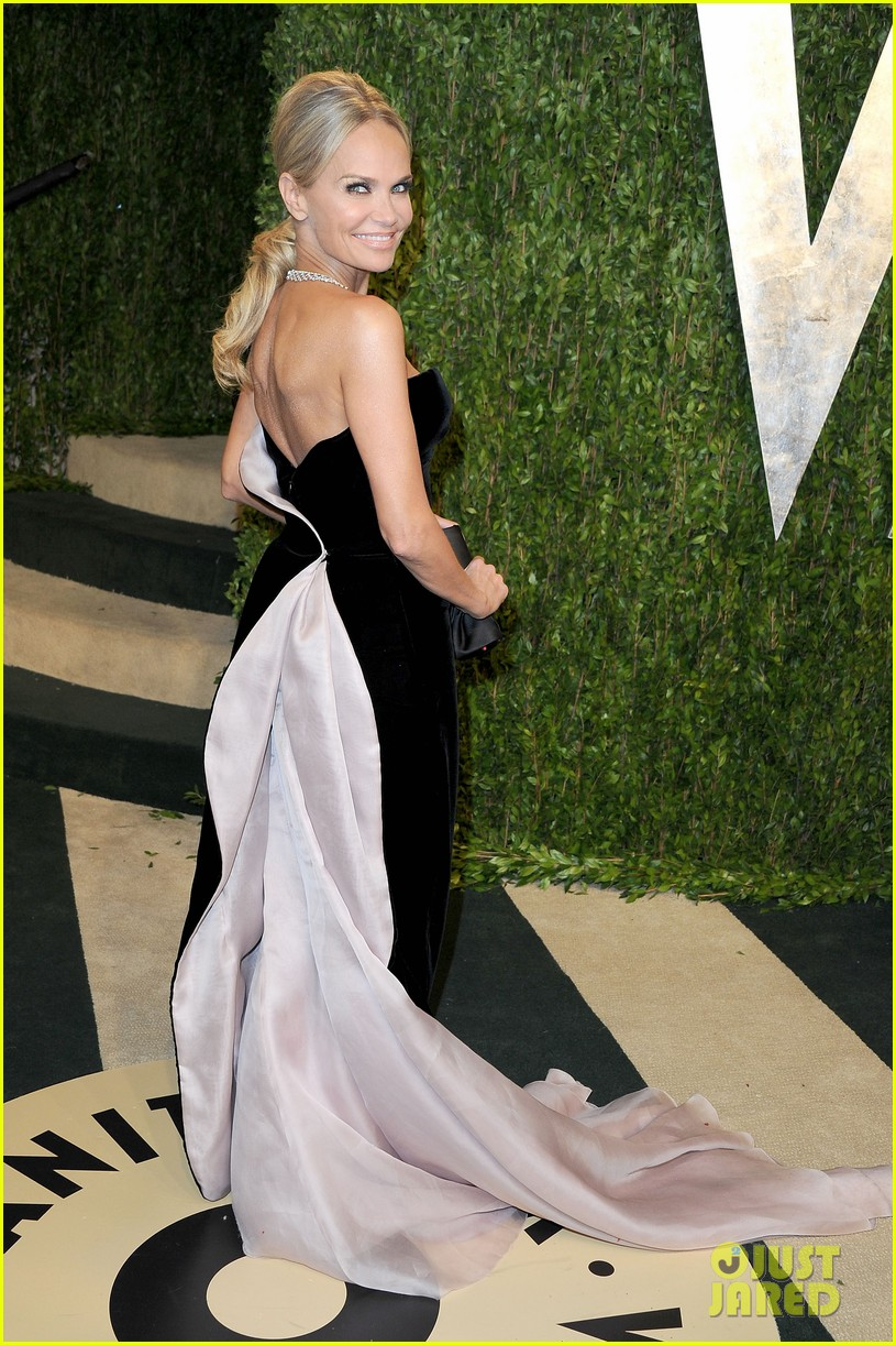 kristin chenoweth vanity fair oscars party 2013 05