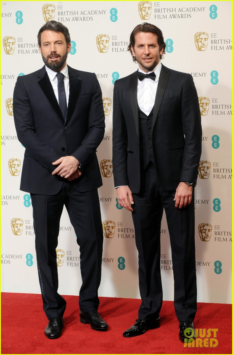 bradley cooper baftas 2013 red carpet 01