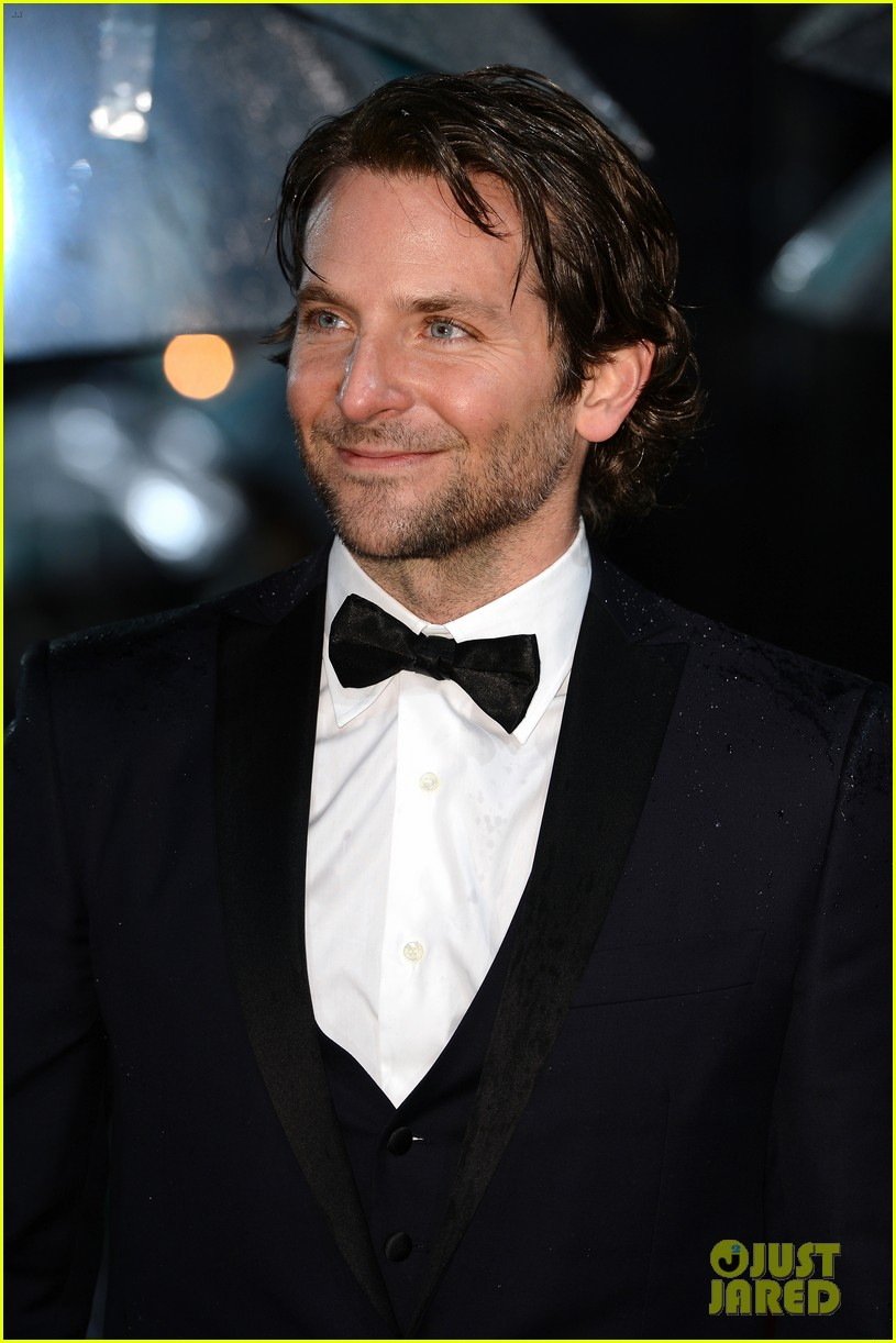 bradley cooper baftas 2013 red carpet 062808947