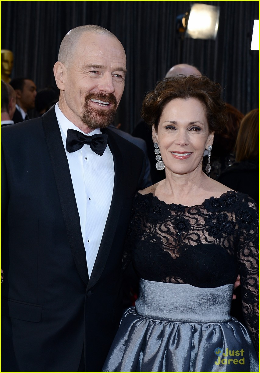 bryan cranston oscars 2013 red carpet 04