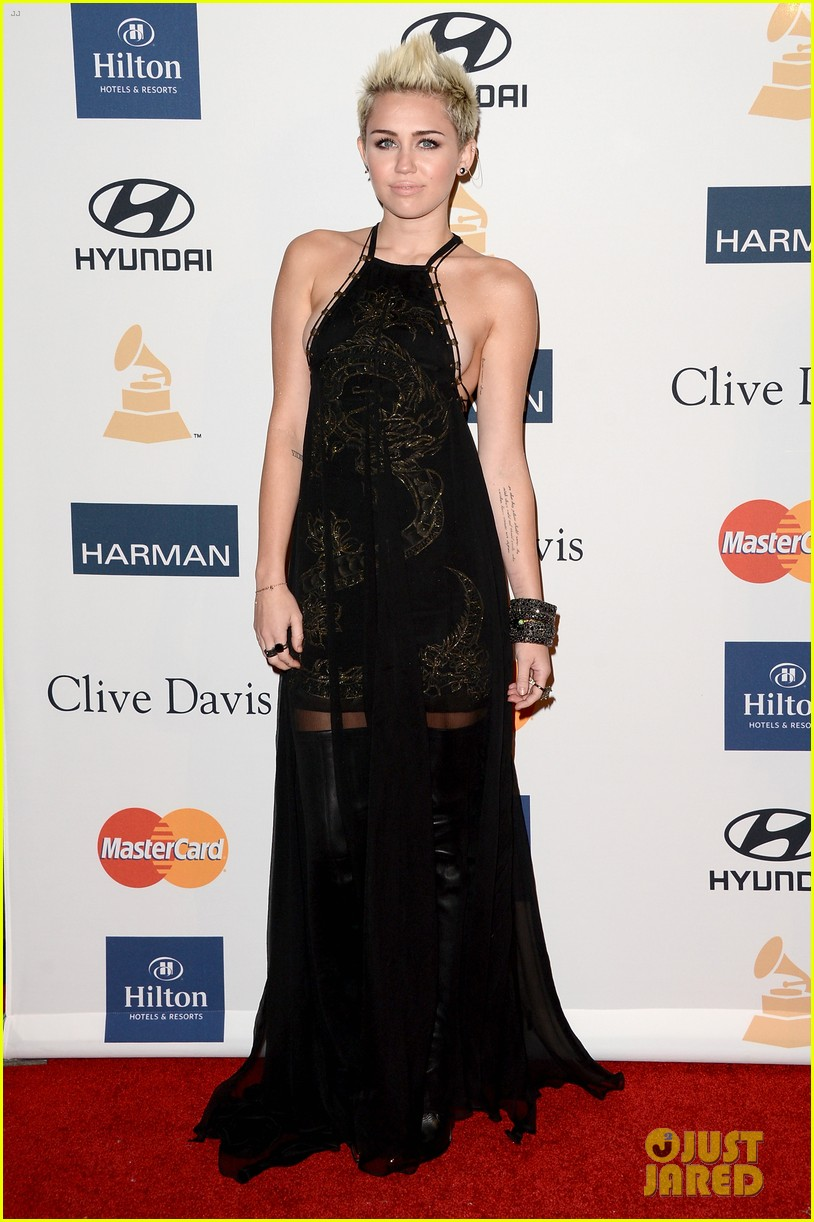 miley cyrus clive davis pre grammy gala 2013 01