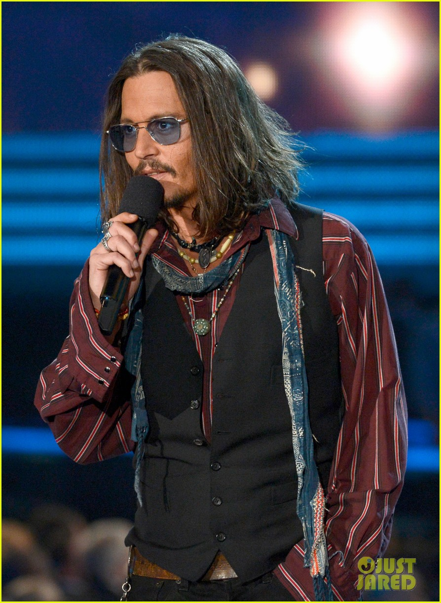 johnny depp grammys 2013 presenter 07