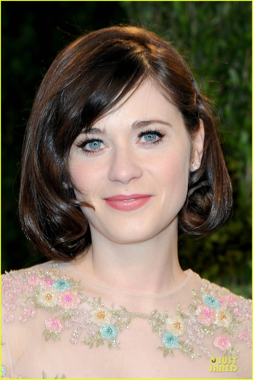 zooey deschanel jamie linden vanity fair oscars party 2013 022819510