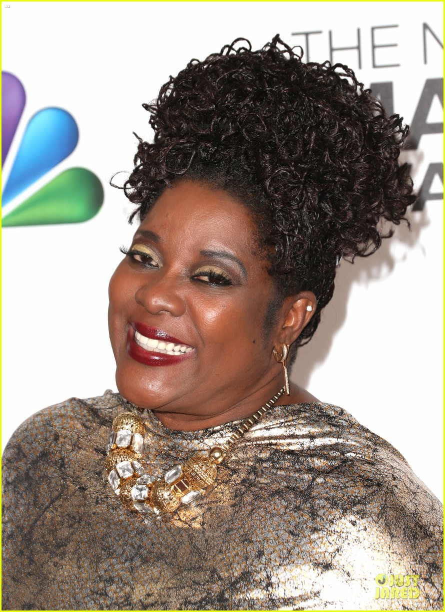 loretta devine best supporting actress in a drama winner 06