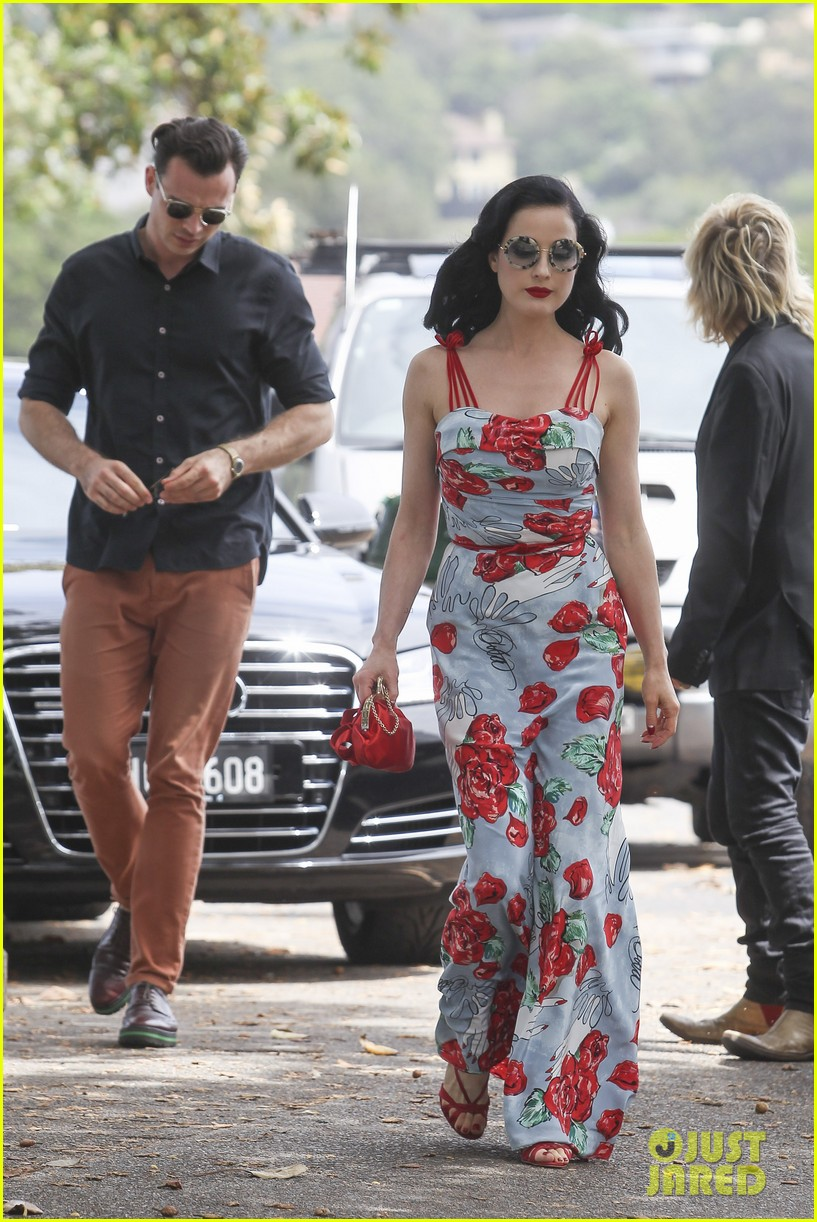 Full Sized Photo of di... Dita Von Teese