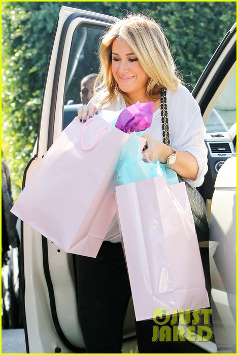 hilary duff baby shower with sister haylie 282808786