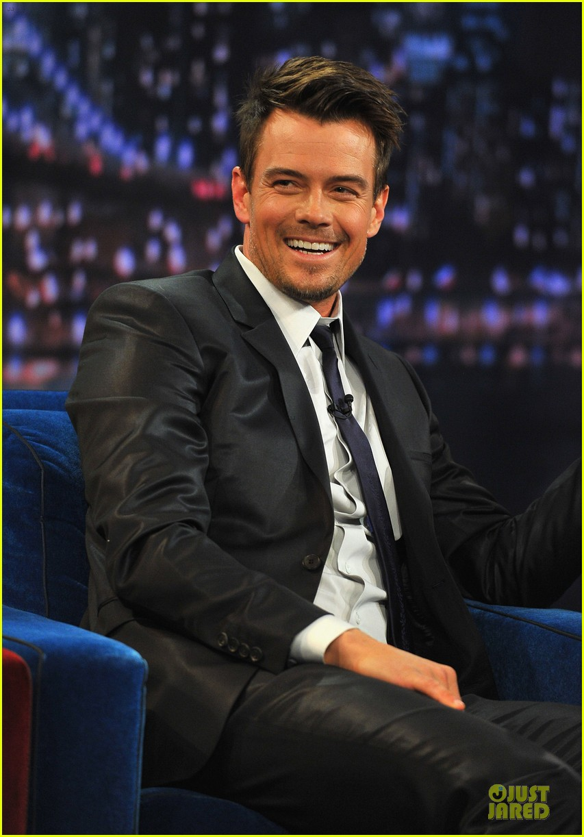 josh duhamel cooler races on fallon 02