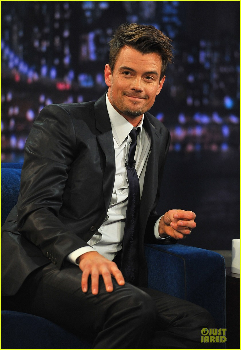 josh duhamel cooler races on fallon 142810978