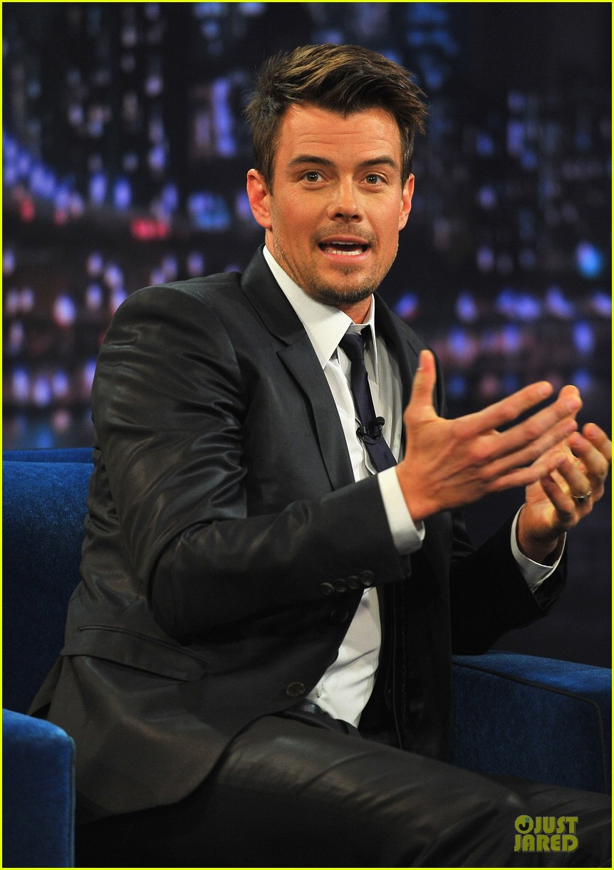 josh duhamel cooler races on fallon 16