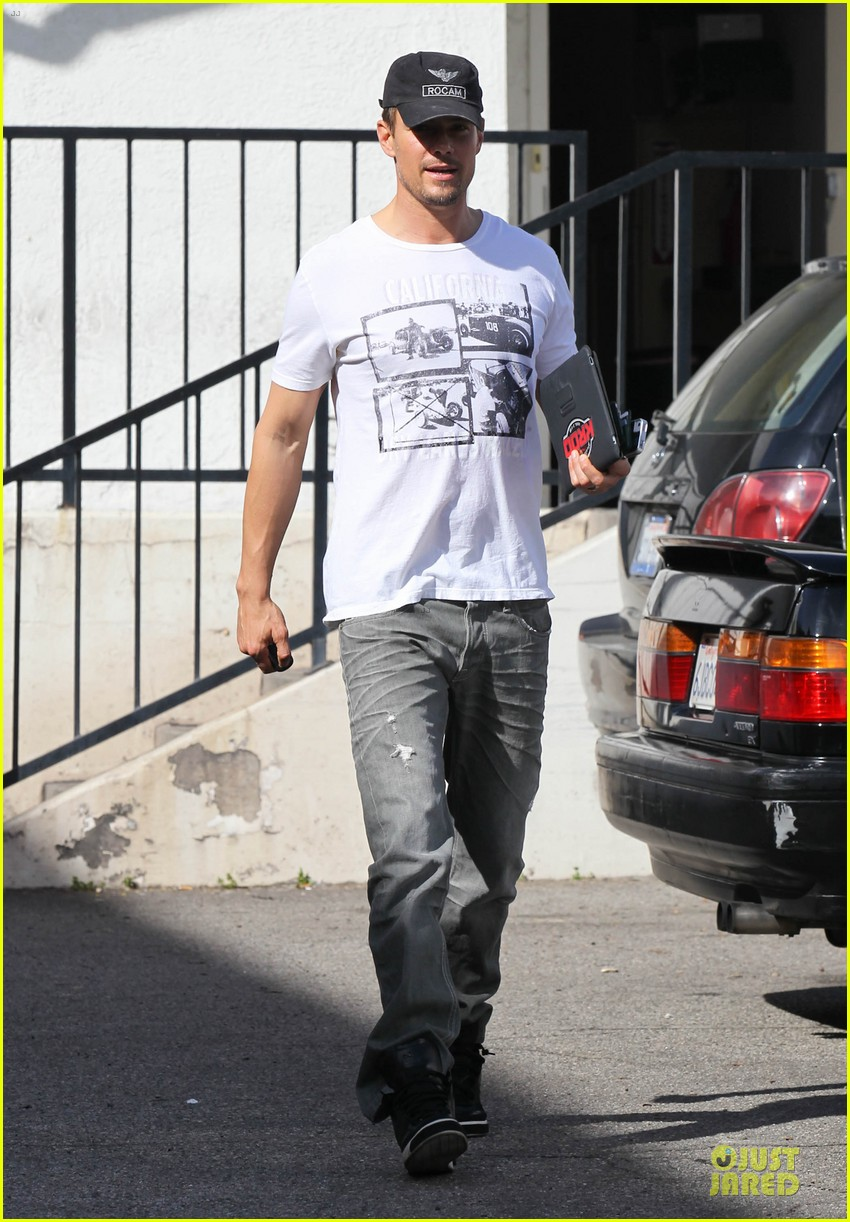 josh duhamel made sweet love to fergie on valentines day 03