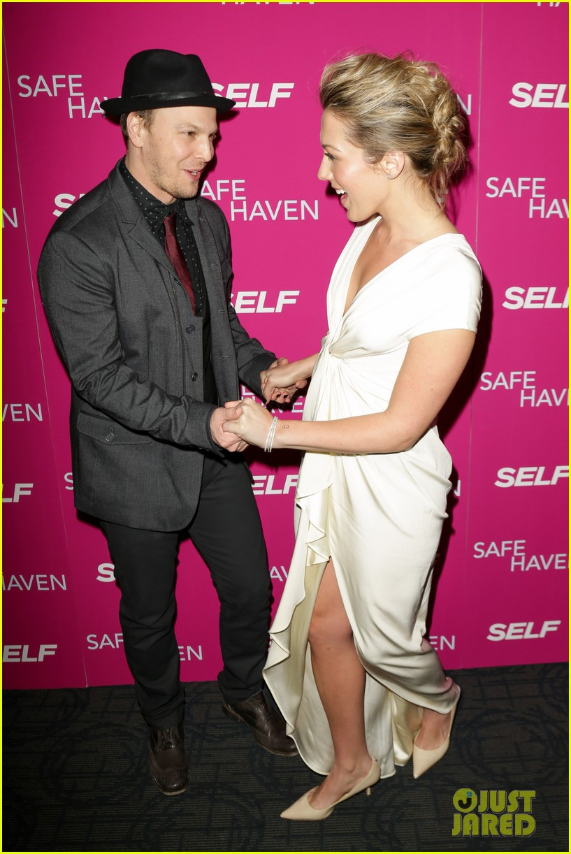 josh duhamel julianne hough safe haven ny premiere 252810360