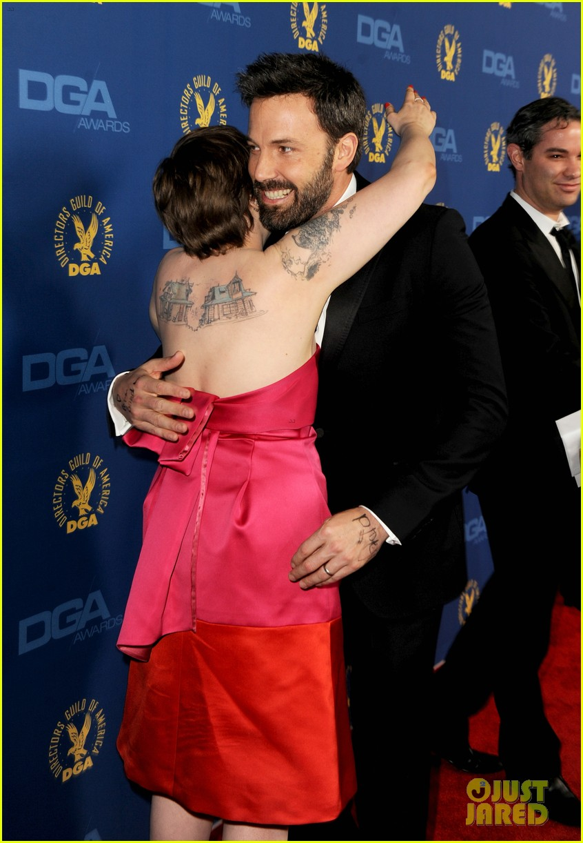 lena dunham wins dga award for girls 02