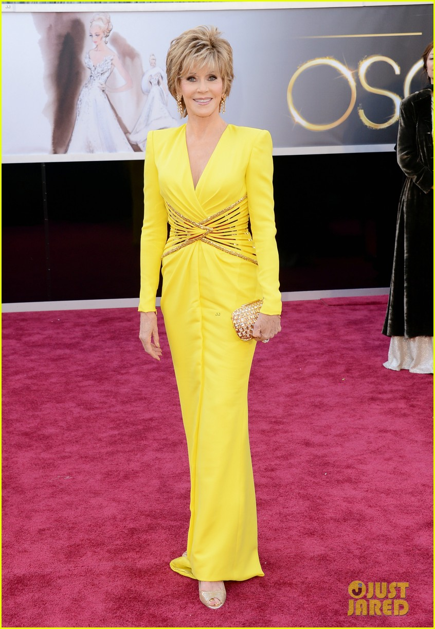 jane fonda oscars red carpet 2013 06