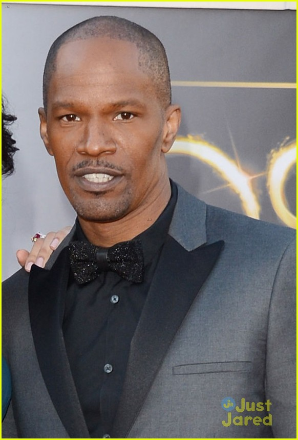 jamie foxx oscars 2013 red carpet 02