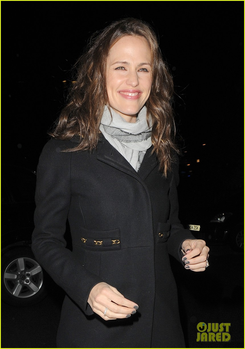 jennifer garner ben affleck pre baftas dinner duo 02