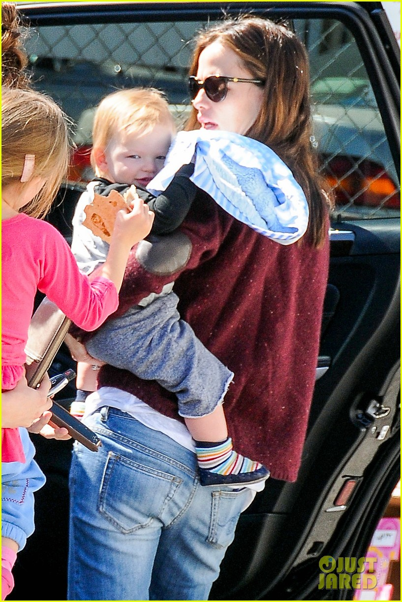 jennifer garner lunch date with samuel 022821795