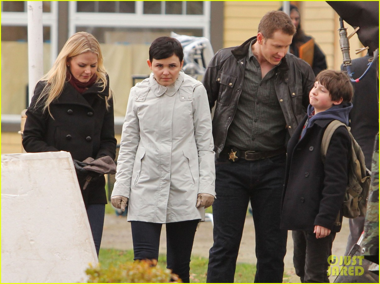 ginnifer goodwin jennifer morrison once upon a time filming 17