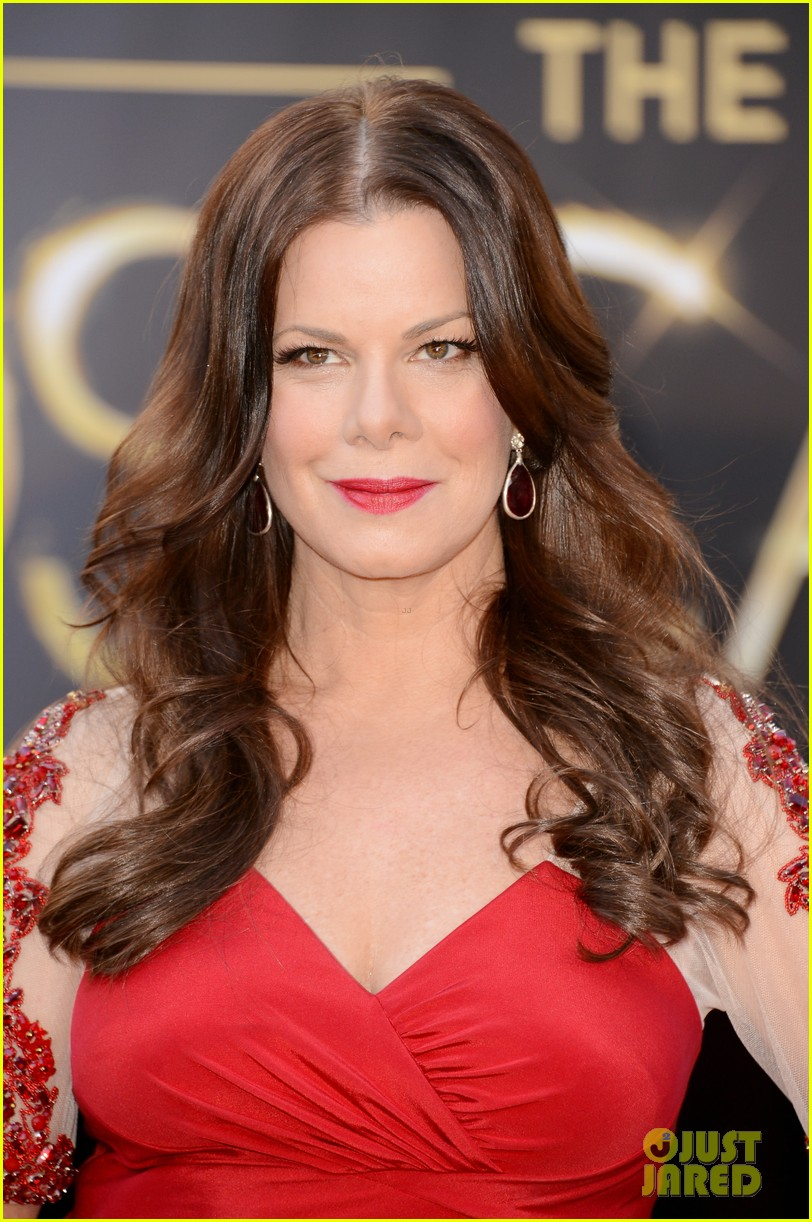marcia gay harden oscars 2013 red carpet 03