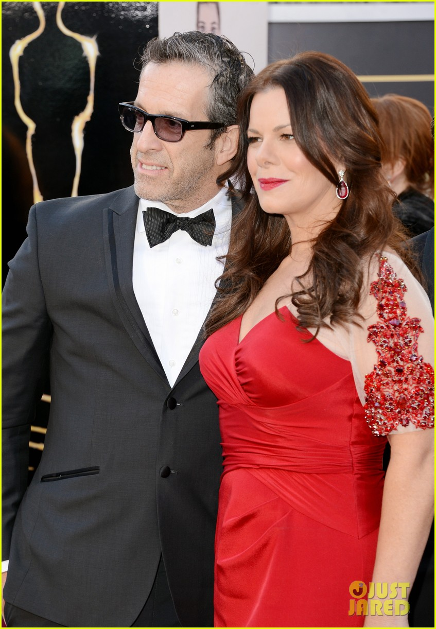 marcia gay harden oscars 2013 red carpet 04