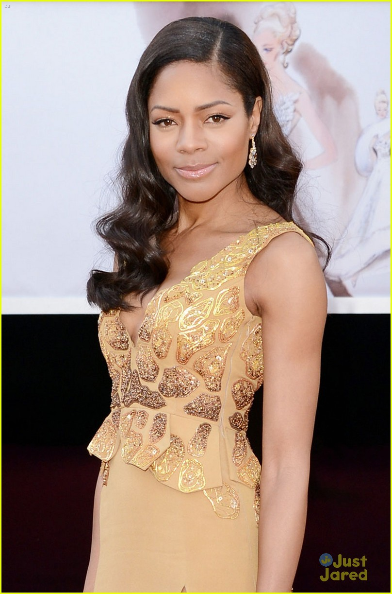 naomie harris oscars 2013 red carpet 04