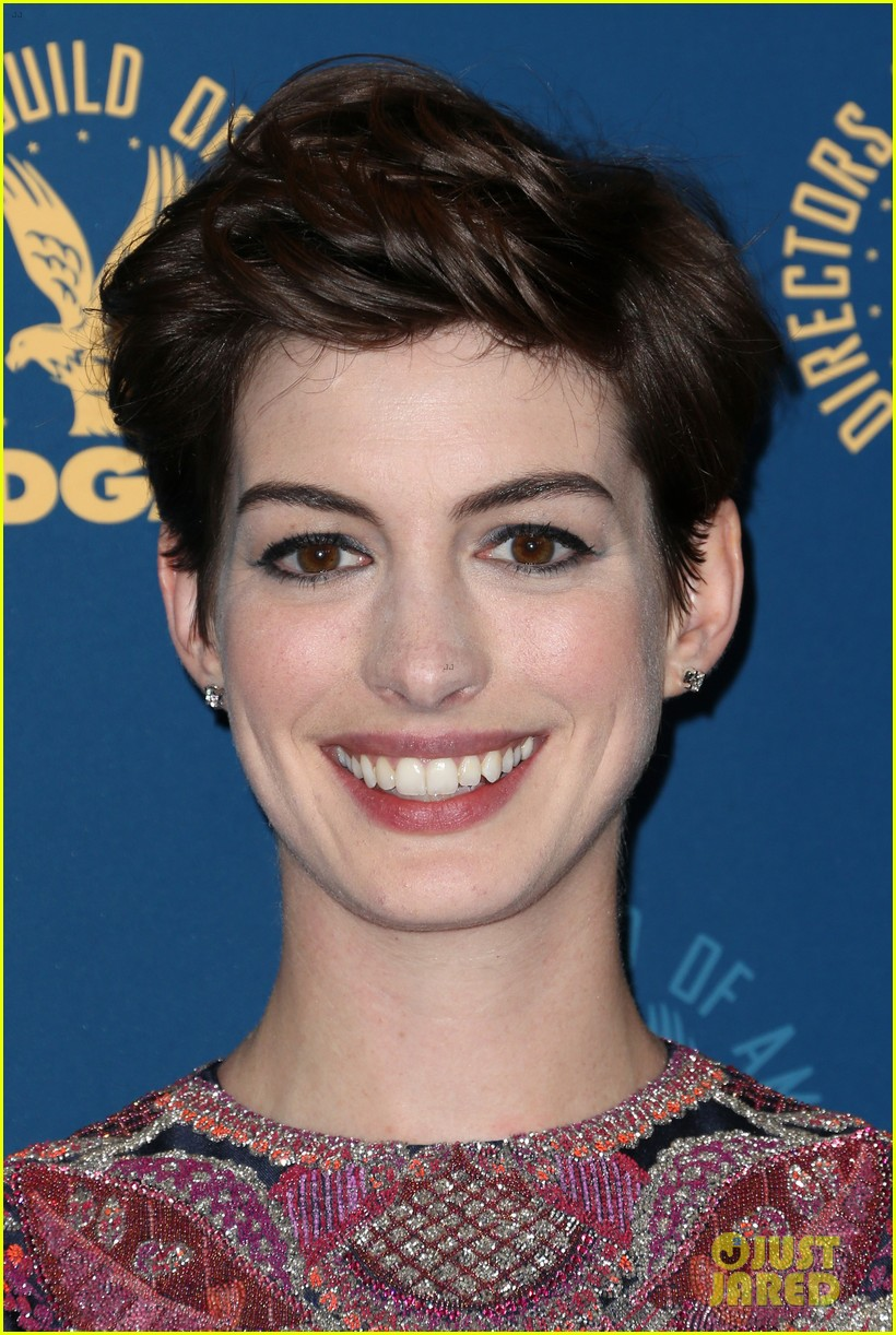 anne hathaway dga awards 2013 with hugh jackman 172803714
