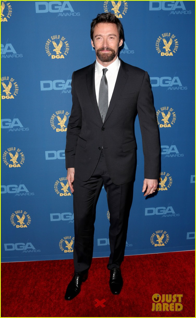 anne hathaway dga awards 2013 with hugh jackman 20