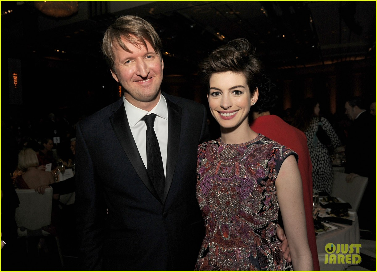 anne hathaway dga awards 2013 with hugh jackman 25