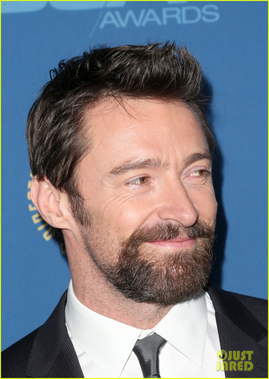 anne hathaway dga awards 2013 with hugh jackman 28
