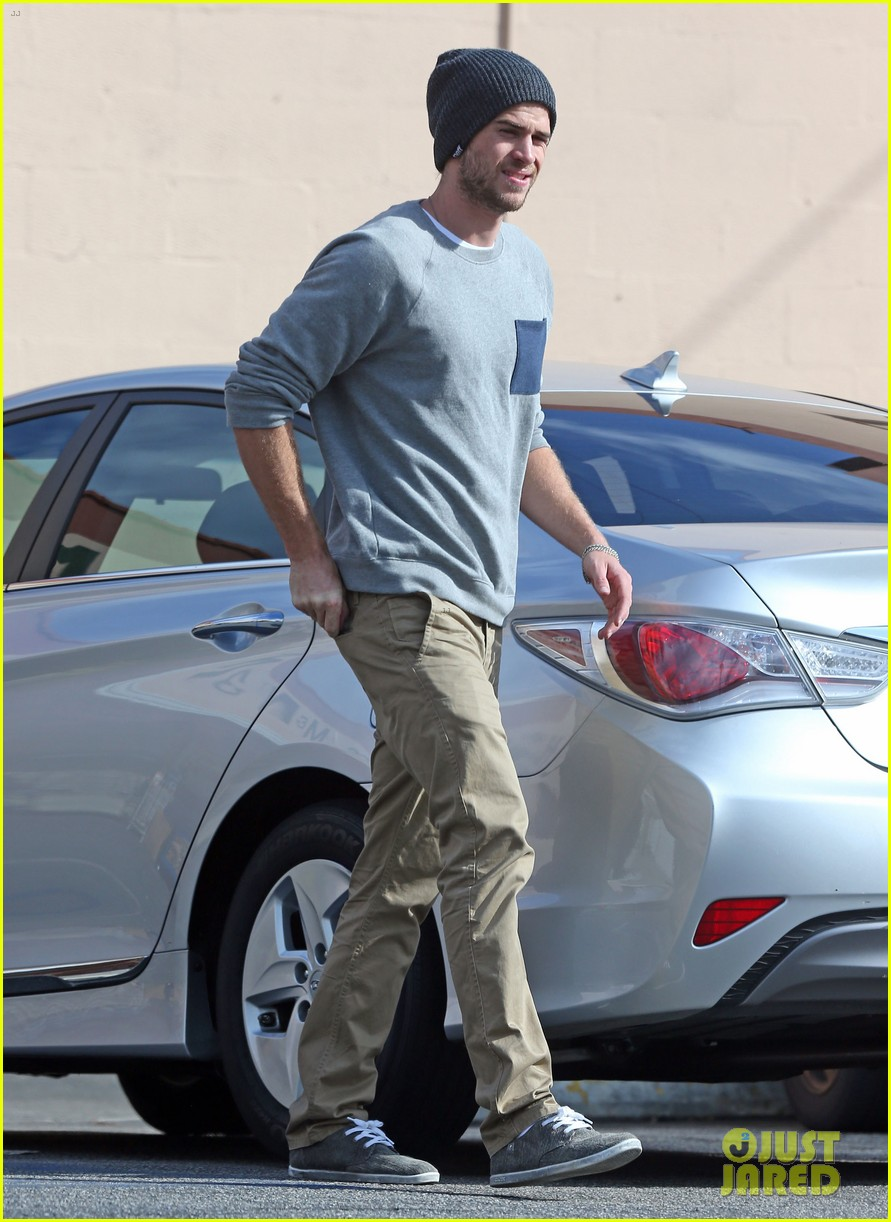 liam hemsworth love honor out in march 032810552