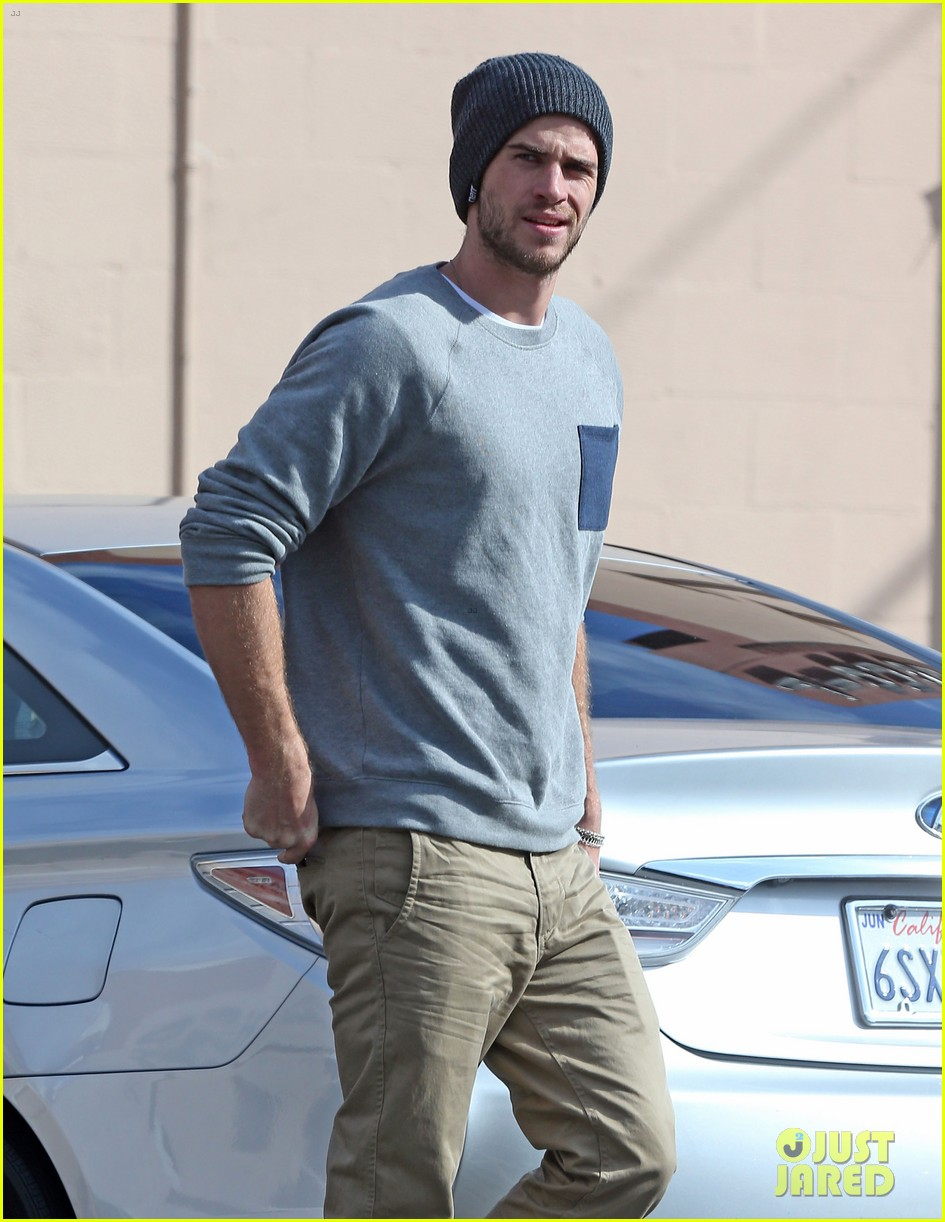 liam hemsworth love honor out in march 042810553