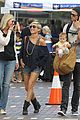 chris hemsworth elsa pataky sydney stroll with india 05