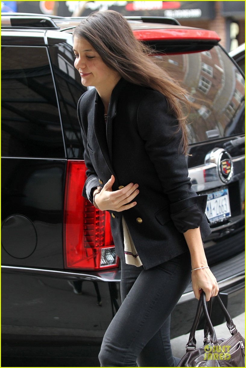 katie holmes skips new york fashion week this month 122802698