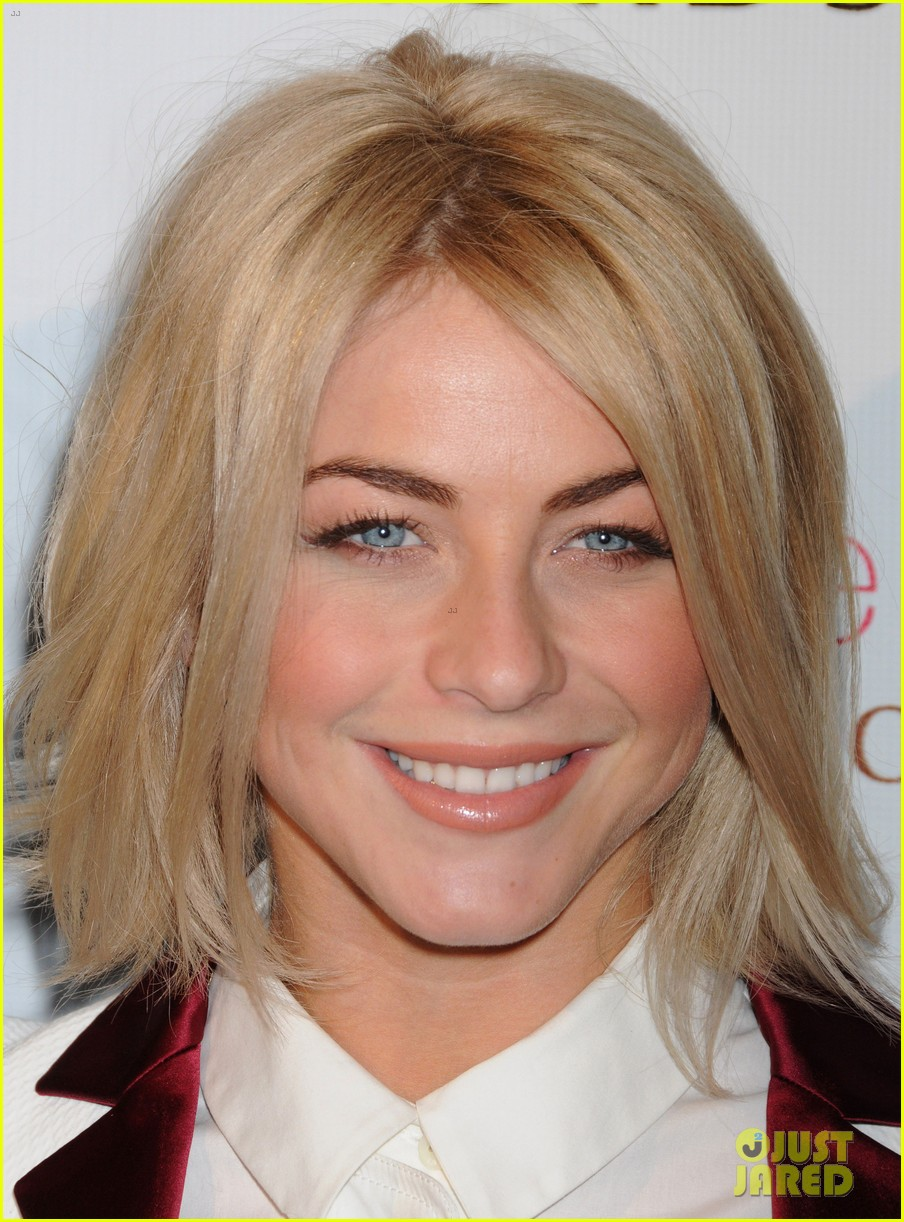 julianne hough sole society event extra appearance 022807069