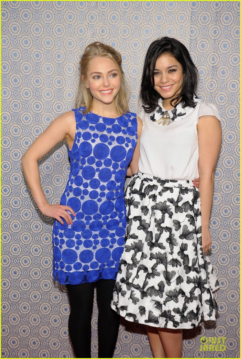vanessa hudgens katharine mcphee alice olivia fashion show 22