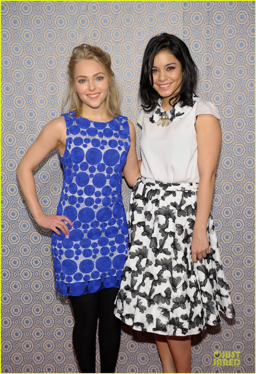 vanessa hudgens katharine mcphee alice olivia fashion show 23