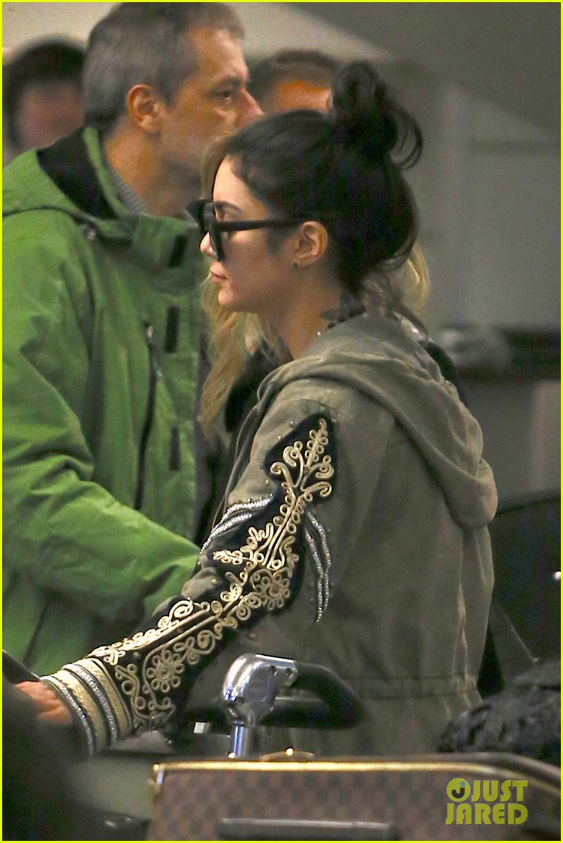 vanessa hudgens selena gomez back in los angeles 13
