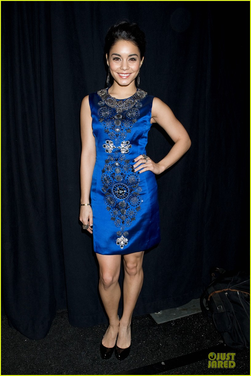 vanessa hudgens matt damon naeem khan fashion show 112810815