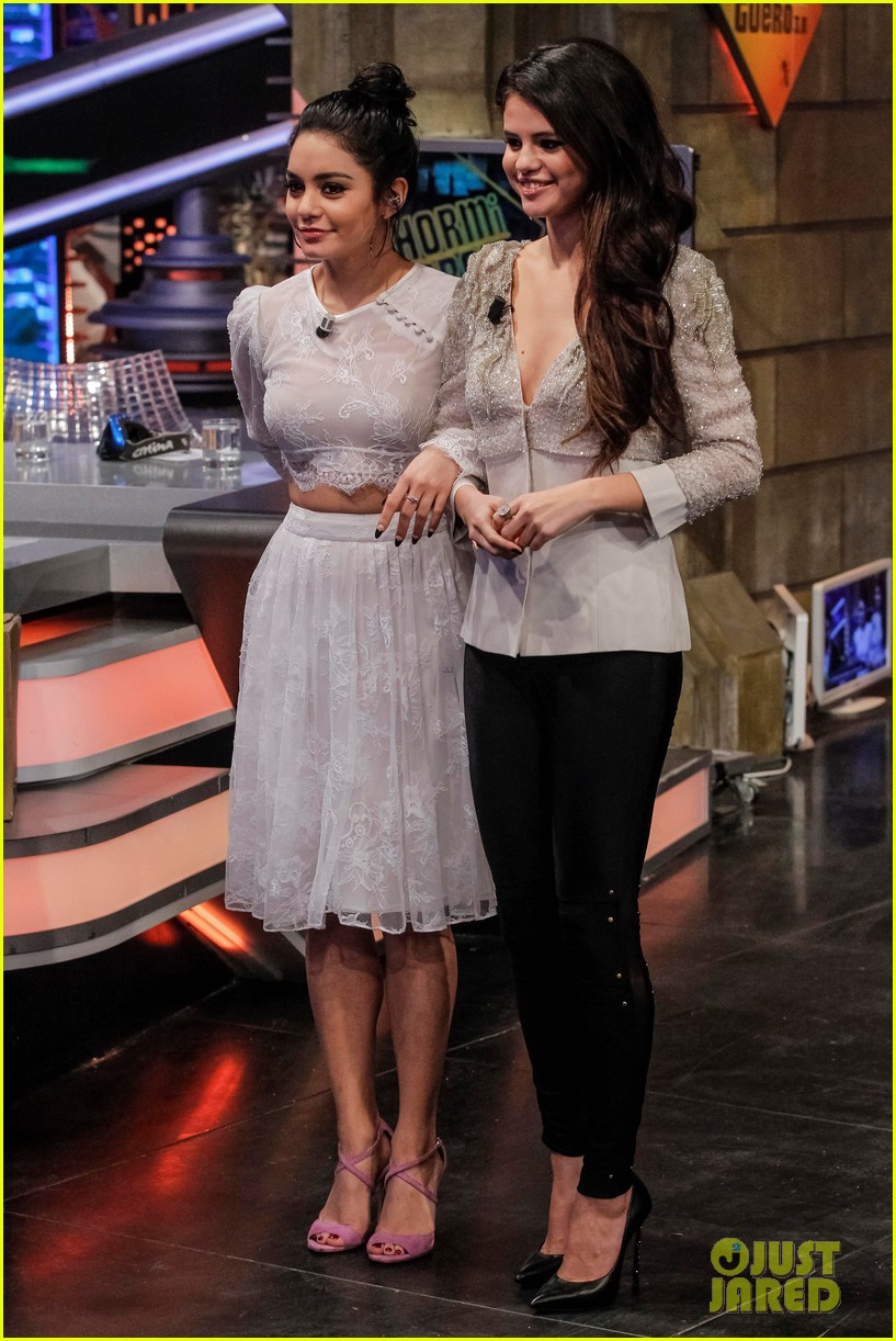 selena gomez vanessa hudgens - photo #17