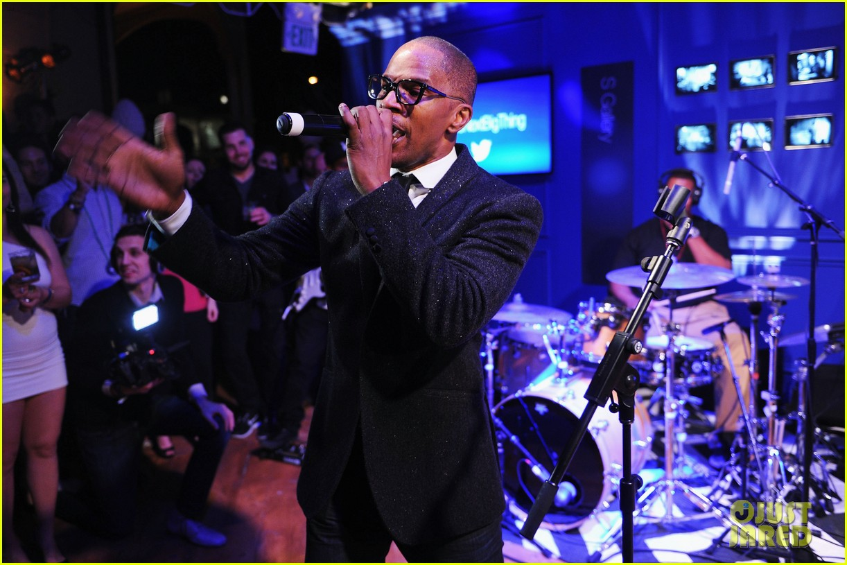 jennifer hudson super bowl party with jamie foxx 08