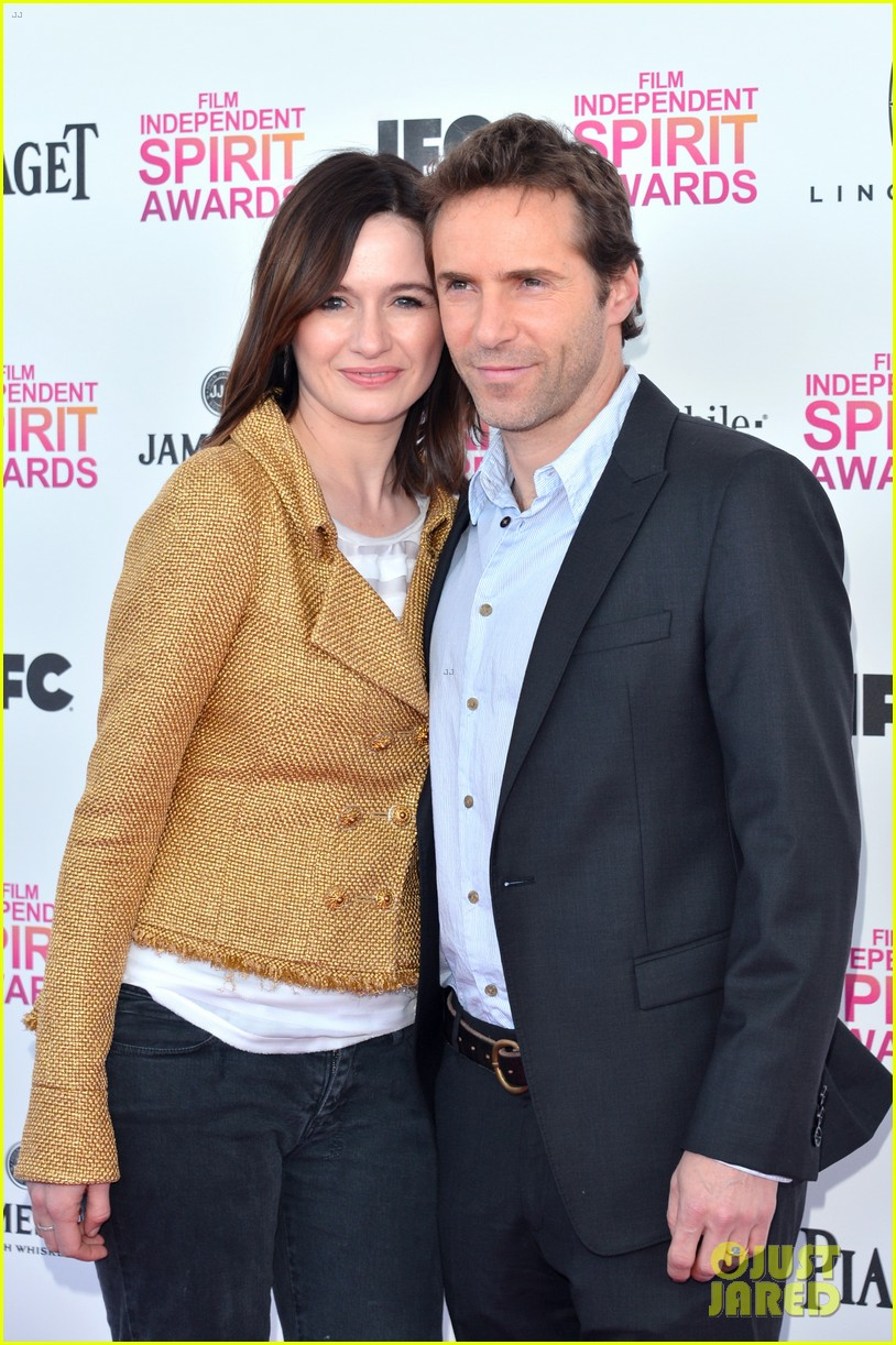 helen hunt emily mortimer independent spirit awards 2013 02