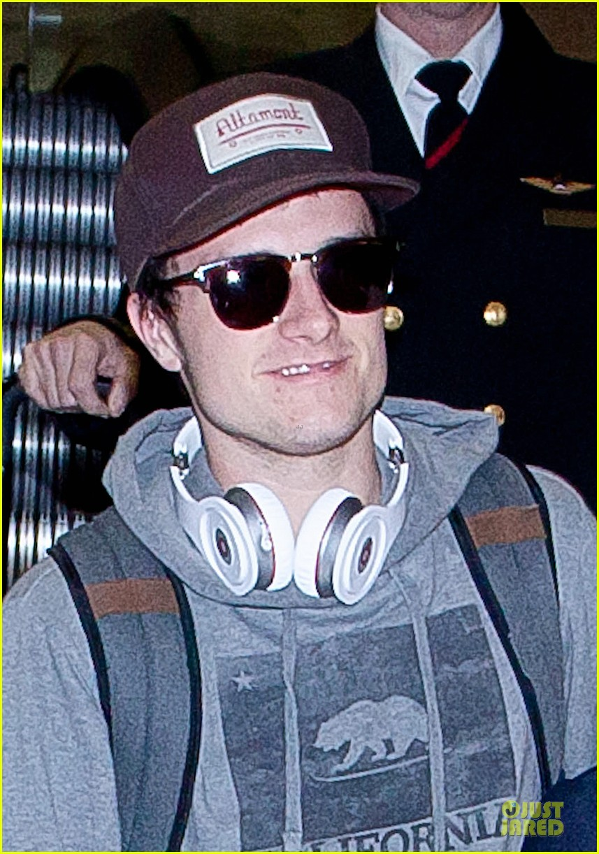 josh hutcherson lax arrival after super bowl weekend 02