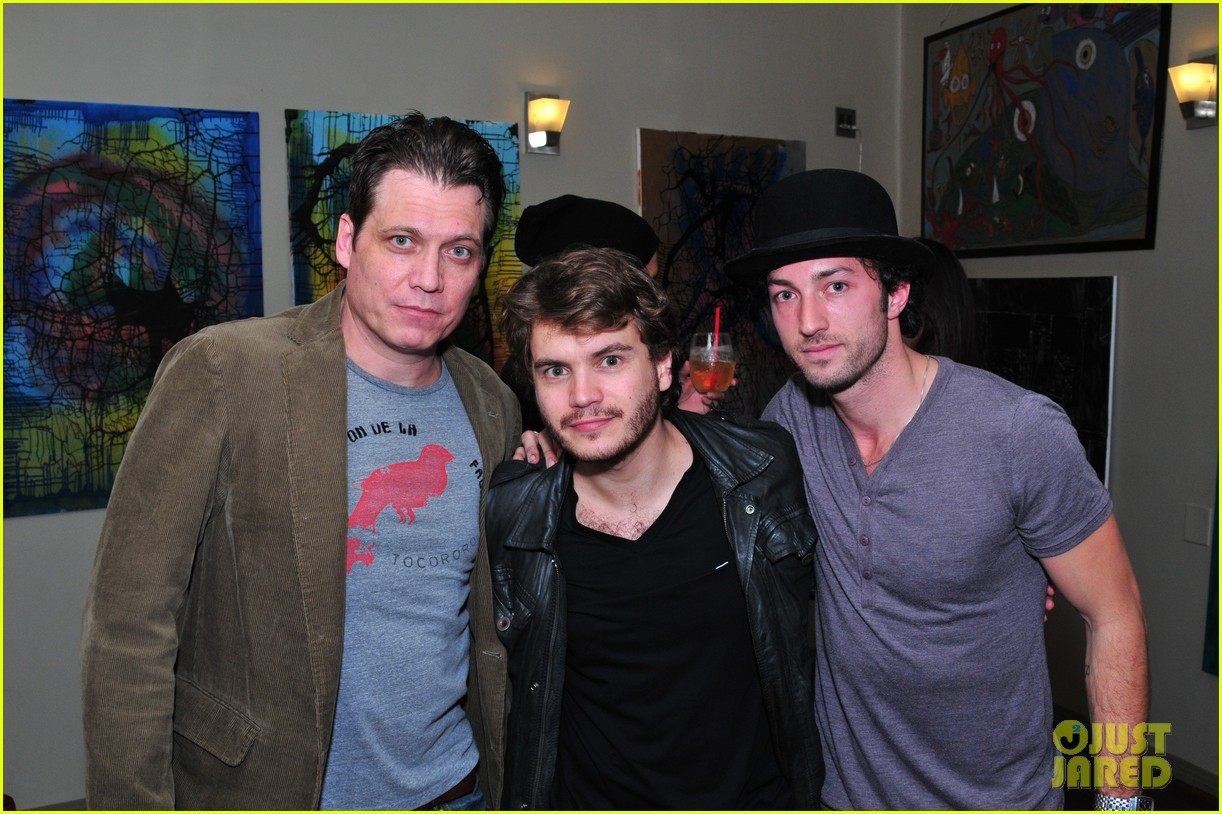 josh hutcherson emile hirsch art show exclusive 012806695