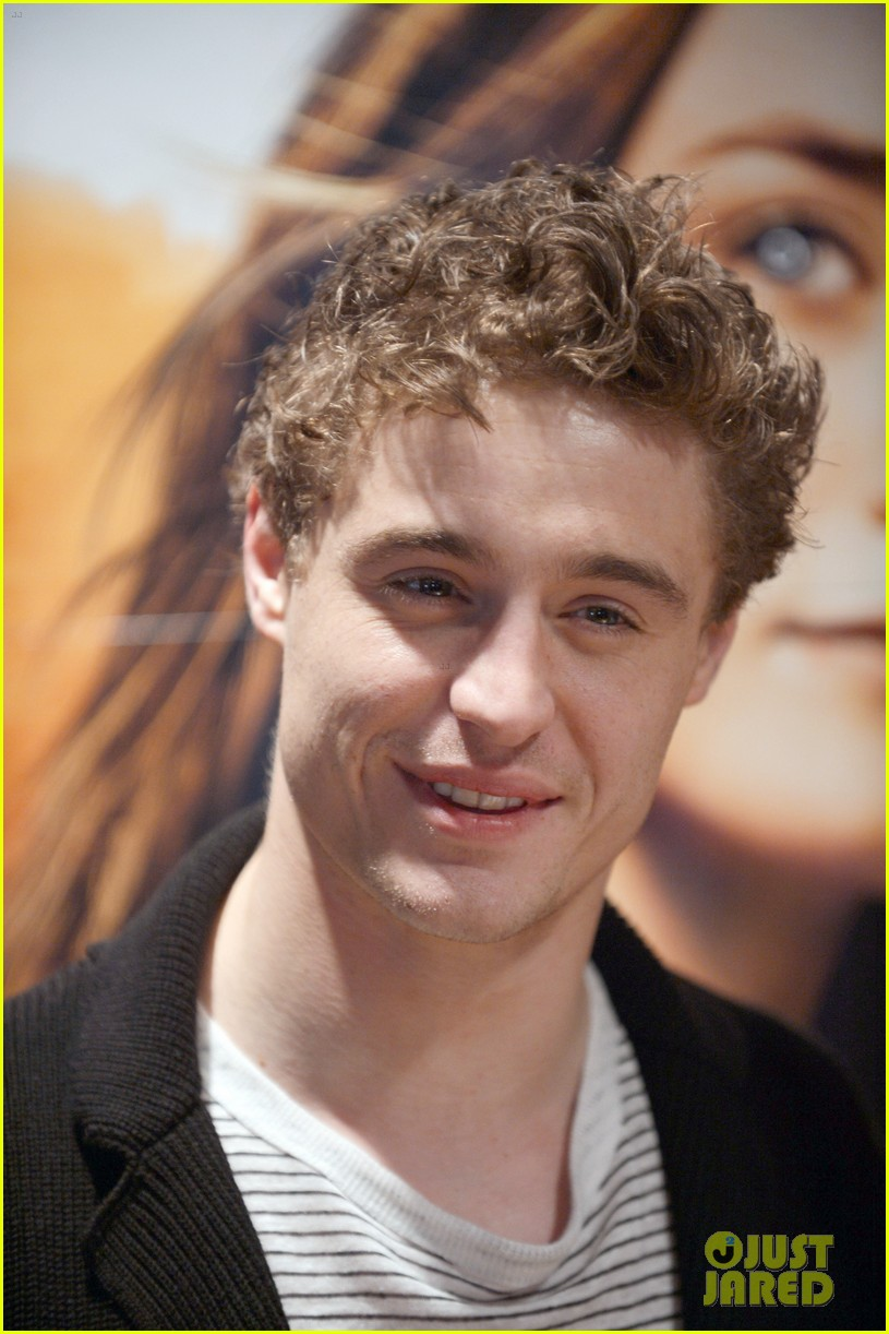 max irons jake abel the host book signing 01