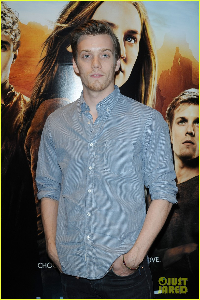 max irons jake abel the host book signing 02